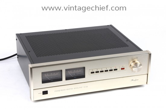 Accuphase E-302 Amplifier
