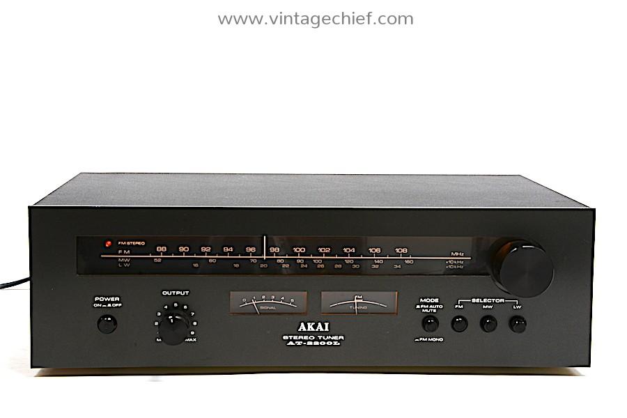 Akai AT-2200L FM / AM Tuner