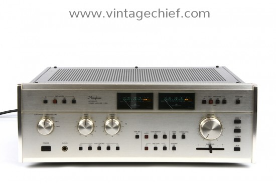 Accuphase E-303 Amplifier