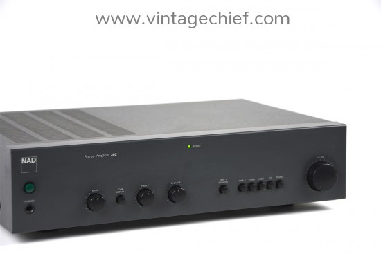 NAD 302 Amplifier