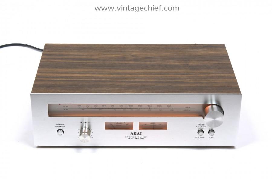 Akai AT-2200 FM / AM Tuner